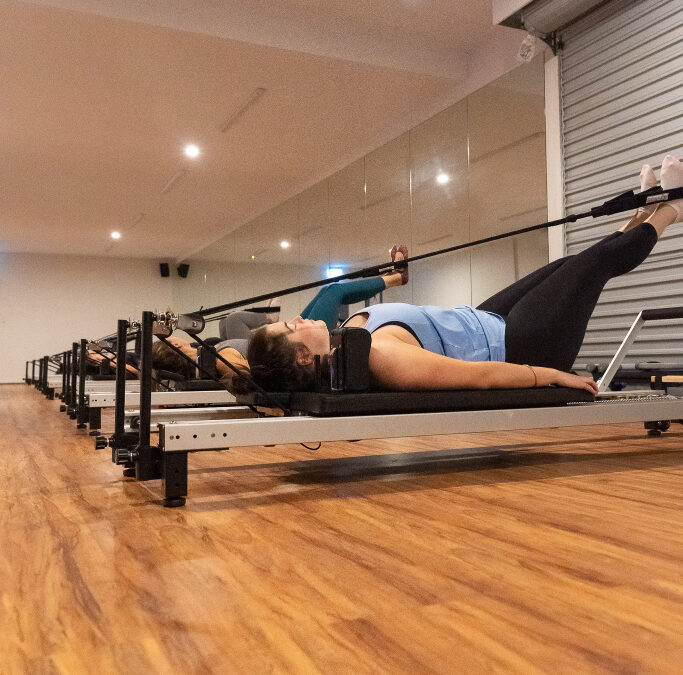 MAT OR REFORMER PILATES: WHICH IS BETTER?